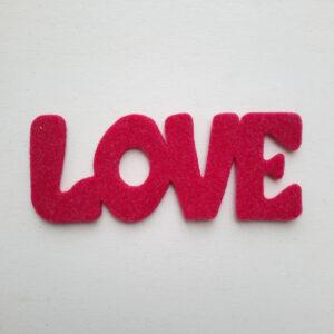 Sagoma scritta love in feltro - Cose di Laura creatività in feltro