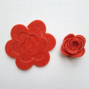Spirale rosa media stondata e rosa realizzata in feltro - Cose di Laura creatività in feltro