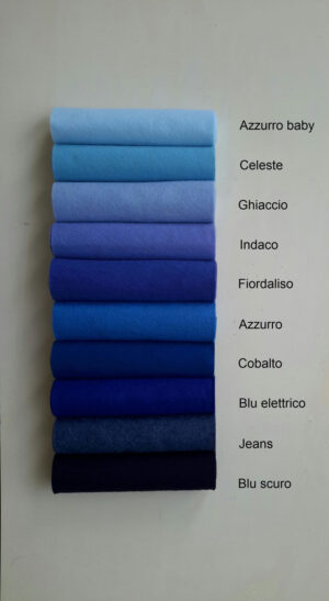 Pannolana nella gamma dall'azzurro baby al blu scuro - Cose di Laura creatività in feltro