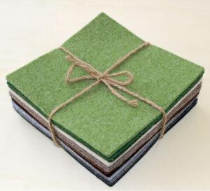 Quadrotto feltro 3 mm tonalità verde, beige e grigio - Cose di Laura creatività in feltro