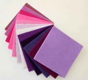 Dettaglio quadrotto rosa viola panna - Cose di Laura creatività in feltro