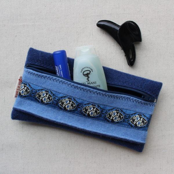Astuccio azzurro con passamaneria - Cose di Laura creatiovità in feltro