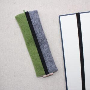 Astuccio stretto portapenne o portaocchiali con elastico sul retro- Cose di Laura creatività in feltro