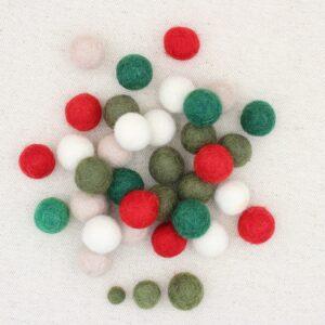 Mix palline feltro panna, latte, rosso, muschio e abete - Cose di Laura creatività in feltro
