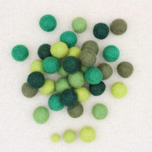 Mix palline feltro pistacchio, erba, muschio, abete e bosco - Cose di Laura creatività in feltro