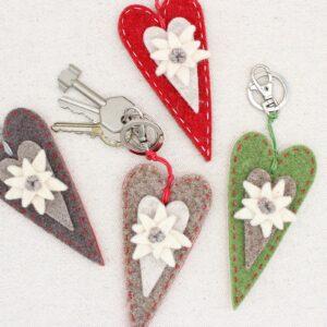 Portachiavi cuore lungo con stella alpina - Cose di Laura creatività in feltro