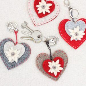Portachiavi cuore con stella alpina - Cose di Laura creatività in feltro