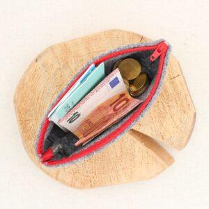 Pochette grigia con fiore - Cose di Laura creatività in feltro