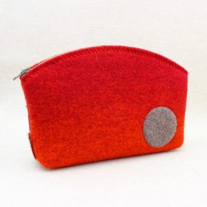 Pochette in feltro arancio melange con bollo - Cose di Laura creatività in feltro