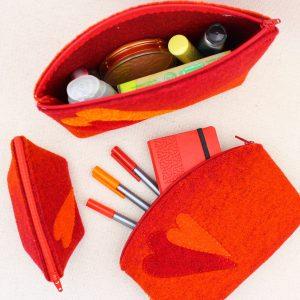 Pochette in feltro arancio melange con cuori - Cose di Laura creatività in feltro