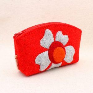 Pochette rossa con fiore - Cose di Laura creatività in feltro