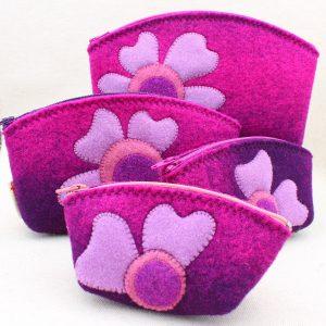 Pochette in feltro viola melange con cuori - Cose di Laura creatività in feltro