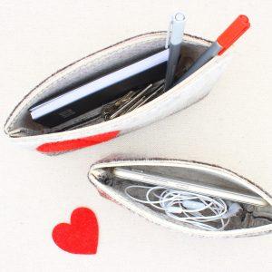 Pochette grigio melange con cuore rosso - Cose di Laura creatività in feltro