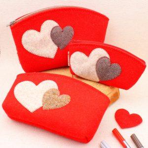 Pochette rossa con cuori - Cose di Laura creatività in feltro