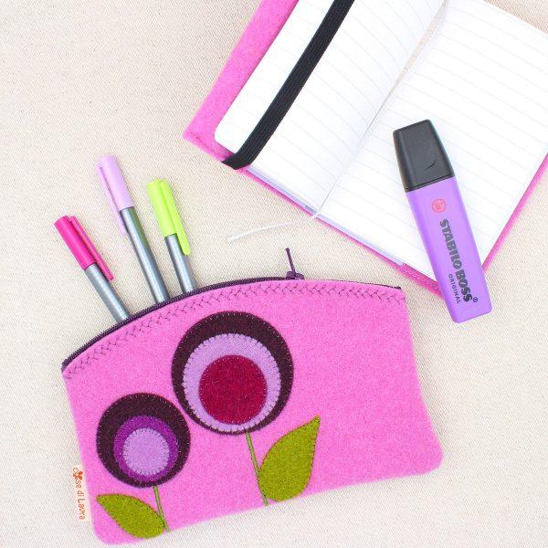 Set astucci e quadernetto lilla con fiori stilizzati - Cose di Laura creatività in feltro